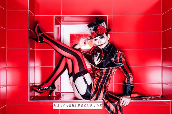 Ruby Tuesday, Burlesquetänzerin in München
