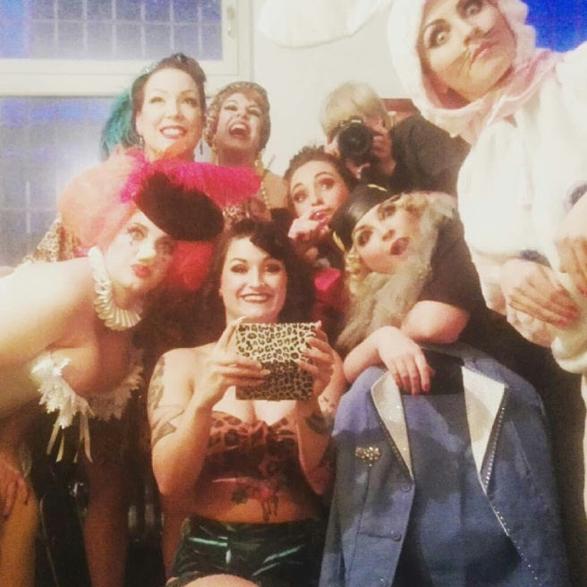 LouLou Lipstick mit Soup Du Jour, Gigi Praline, Lilly Tiger, Kiki Bouh, Kitty Kokett und Ruby Tuesday
