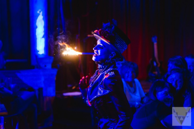 "Ruby Tuesday Burlesque bei den ""Filly Follies Allstars"""